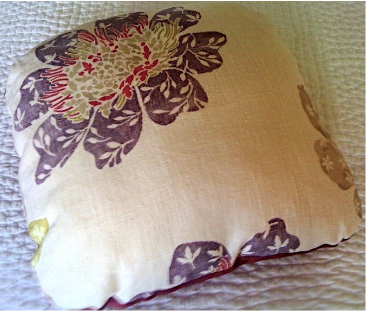 ANN Flower Two Tone Accent Pillow